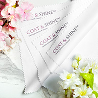 - Microfiber cloths (2 pc.)